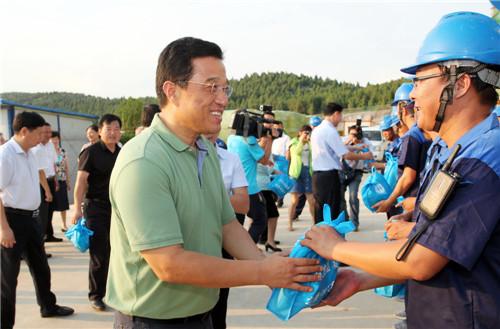 省政协副主席、省总工会主席童怀伟来淮调研